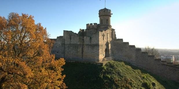 Lincoln-Castle-Tree-900x309